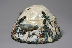 marlene-mocquet-l-oeuf-planete-02-33x33x24cm-porcelaine-emaillee-7e6bd9757bd2133a1268db7ee1798436