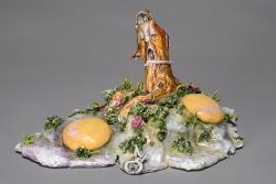 marlene-mocquet-oeuf-aux-plats-fleuris-00-20x30x27cm-porcelaine-email-grand-feu-et-petit-feu-340b5eadd1c6d83b743d48f69f5909a9