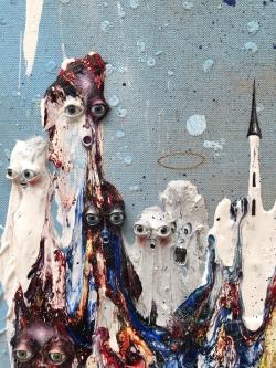 mocquet-devant-le-chateau-61x46cm-2019-email-a-froid-gesso-spray-aerosol-huile-paillette-yeux-de-verre-decalcomanie-pate-epoxy-detail-web-98ab6763ad39ffde554a617958ea9f9e
